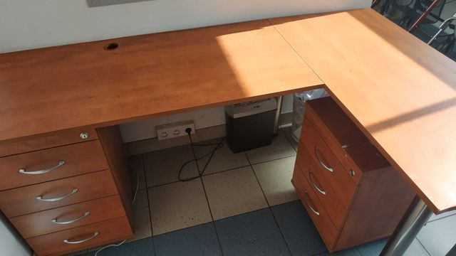 Oddam za darmo biurko narożne