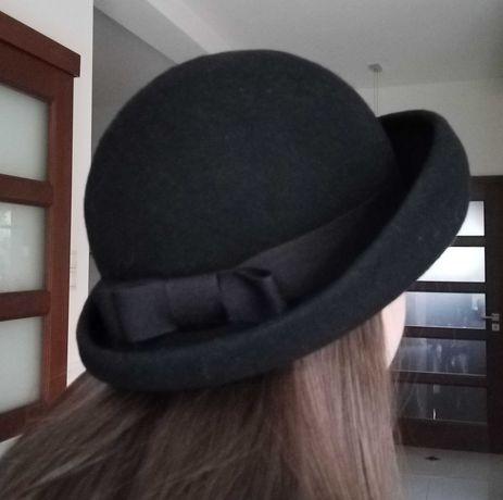 Stary filcowy damski kapelusz - styl pensjonarki
