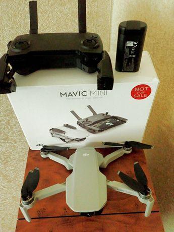 Квадрокопте DJI Mavic mini в идеальном состоянии..
