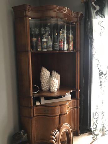 Movel canto com mini-bar e espaco para televisao