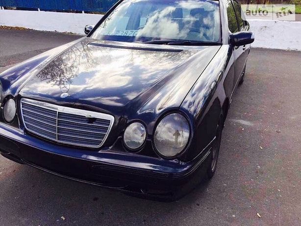 По запчастям Mercedes e class w 210 е класс очкарик лупатый