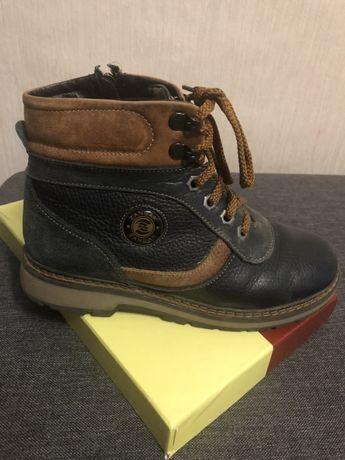 Продам зимние ботинки 36 размер