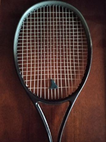 Продам ракетку теннисную б/у