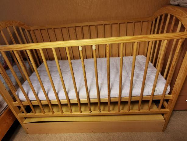 Łóżeczko dziecięce, lampa ikea