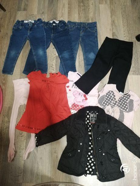 Пакет вещей на девочку 3-4 года. Джинсы, куртка, футболки