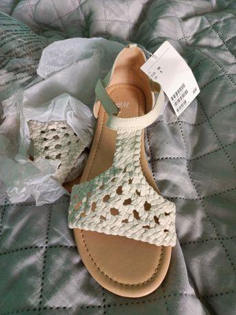 Sandałki kremowe HM rozmiar 38