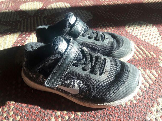 Красовочки Nike 25 р.