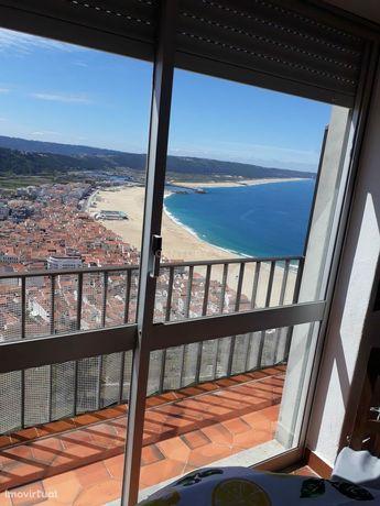 Moradia T3+1 Sitio da Nazaré com excelentes vistas mar