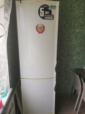 Продам холодильник vest frost SW 350 M