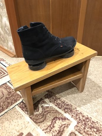 Стул для чистки обуви