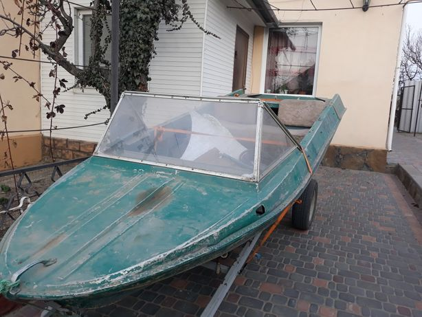 Лодка Крым  в хорошем  состоян