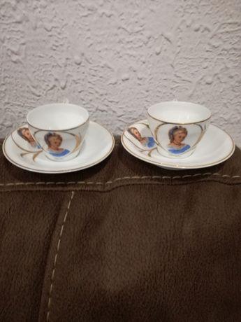 2 Chávenas Café com Pires Vista Alegre Motivo Dama