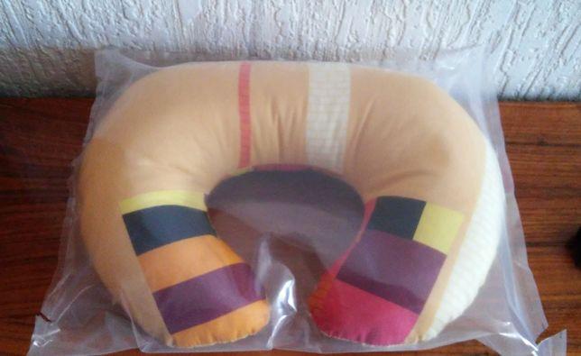 новая дорожная подушка под шею.