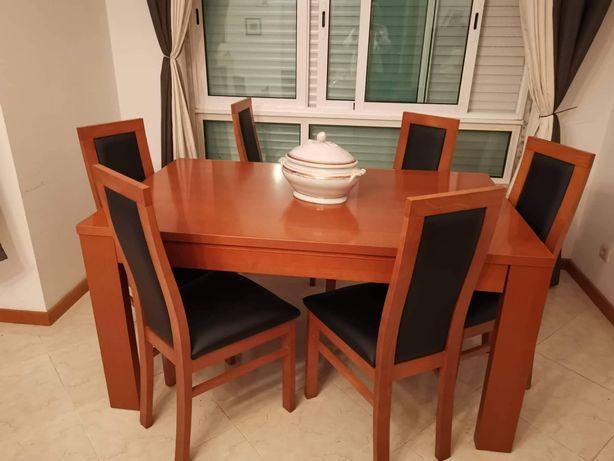 Mesa de jantar faia extensível com 6 cadeiras