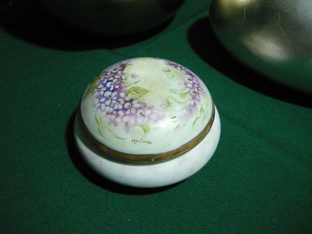 Guarda joias decorativo em porcelana »» Pintado à mão