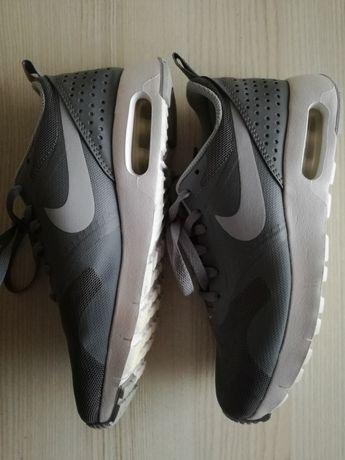 Buty j.nowe Nike Air Max Tavas r.35