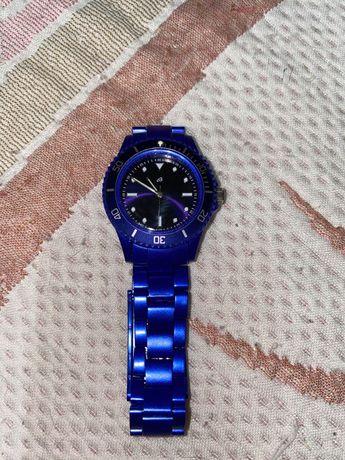 Relógio azul como novo