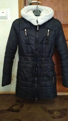 Срочно продам зимнее пальто, удлинённая курточка