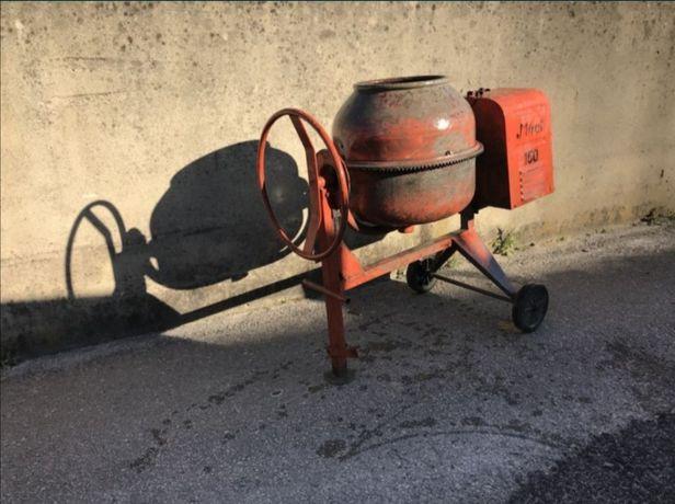 Aluguer de betoneiras e carrinho