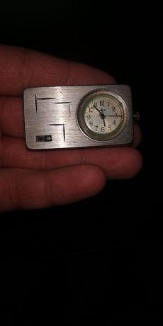 Продам часы луч механические