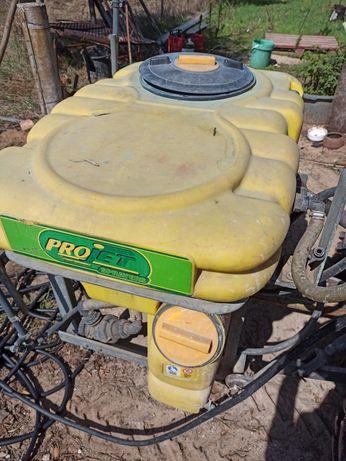 Pulverizador 200 litros