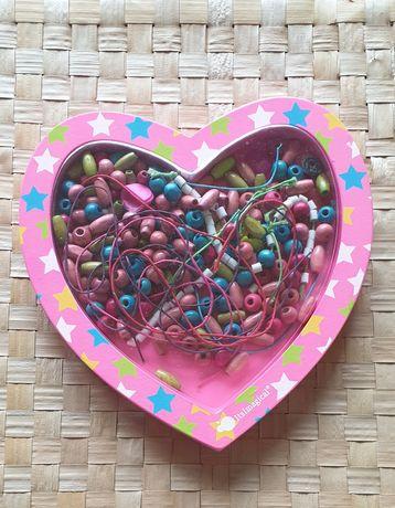 Caixa em forma de coração para fazer colares e pulseiras