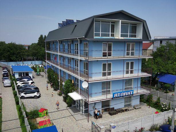 Отель 47 номеров в п. Железный порт на участке 16 соток, 1 линия!