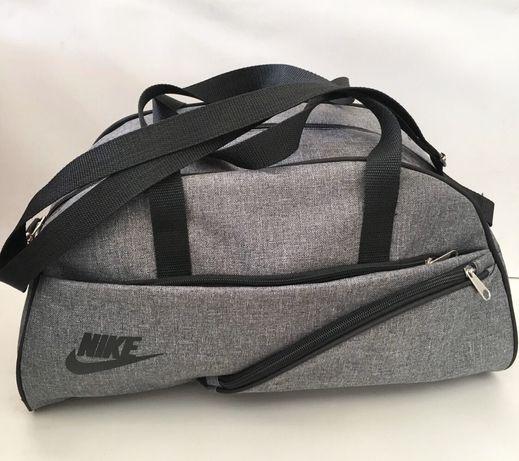 Сумка Nike в спортзал или для поездок.