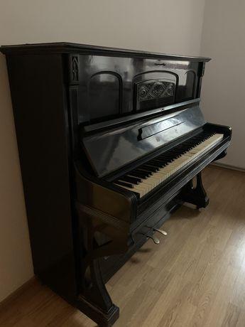 Німецьке антикварне піаніно