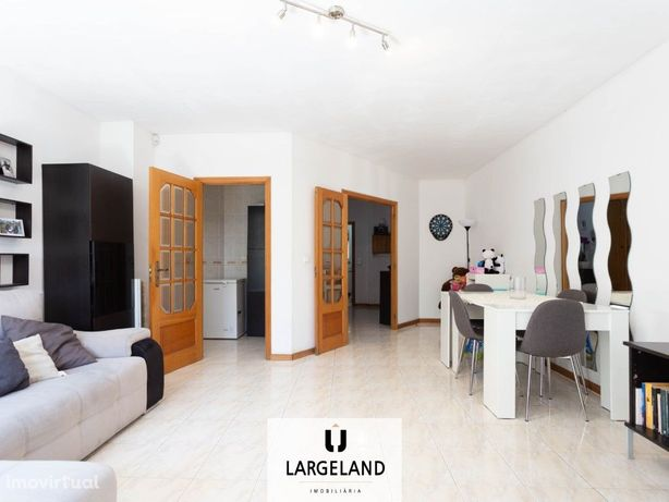 Apartamento T2 – Vermoim, Maia