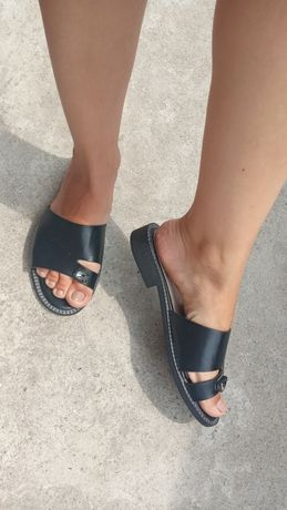 Шлепанцы сандали