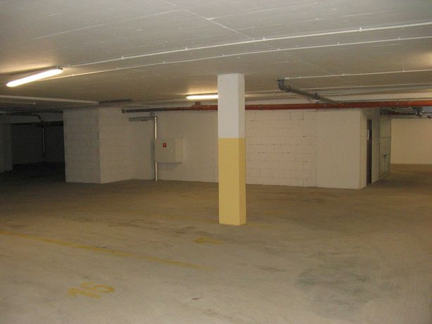 Wynajmę miejsce postojowe w garażu podziemnym, osiedle Złota Podkowa