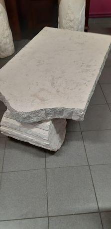 Stylowe meble z kamienia w stylu antycznym
