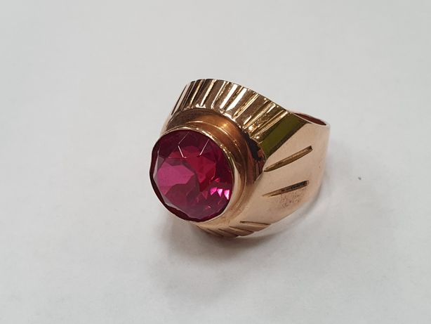 Piękny złoty pierścionek/ sygnet/ Radzieckie 583/ 8.26 gram/ R15/ skle