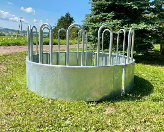 Paśnik dla bydła łąkowy na baloty ocynkowany 12 stanowisk 200 cm