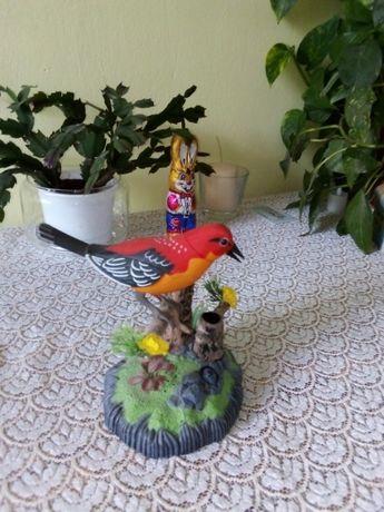 ćwierkający ptaszek