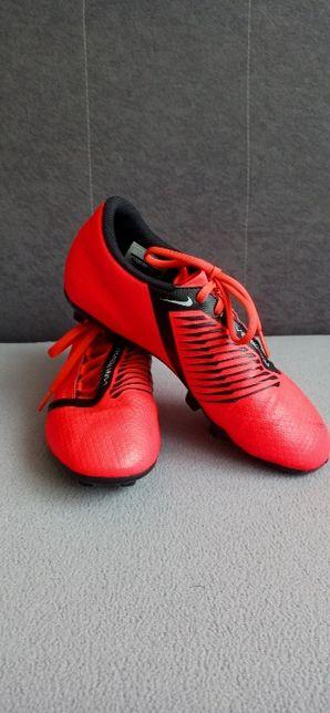 Chłopięce buty NIKE Phantom VNM Academy FG Junior rozm. 39