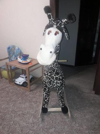 Качалка деревянная жираф Мелман из Мадагаскара