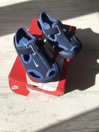 Sandałki Nike sunray 25 stan idealny