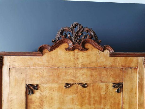 Bieliźniarka / szafa z półkami jednodrzwiowa stuletnia drewniana