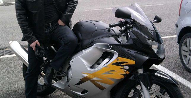 Honda CBR 600F (F4)