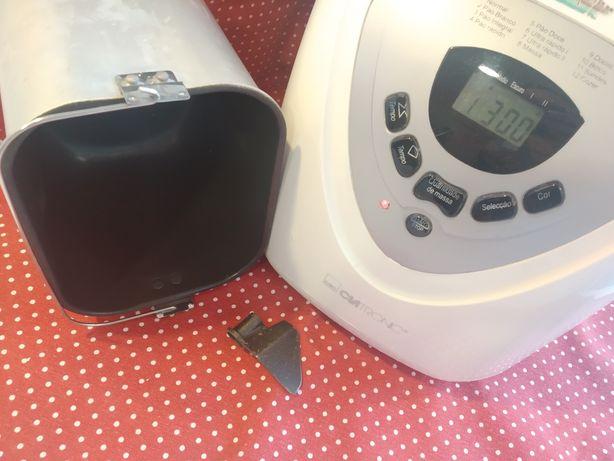 Máquina de fazer/ cozer pão completa Clatronic, pá, cuba (com avaria)