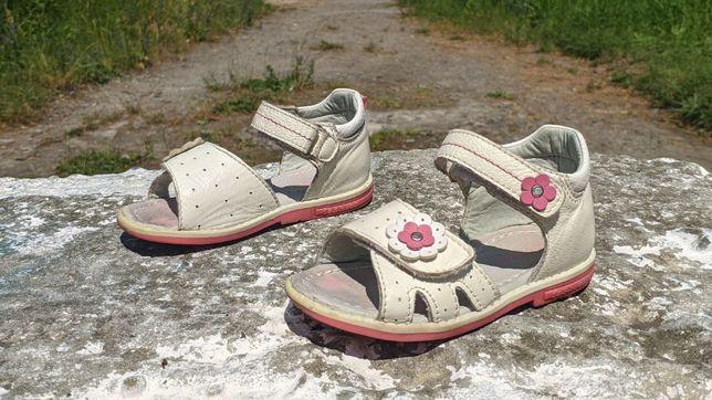 Шкіряні дитячі сандалі