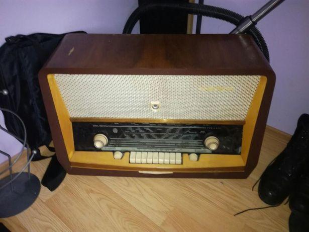 Radio z dawnych lat przestrojone sprawne