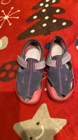 Босоножки Nike р 28