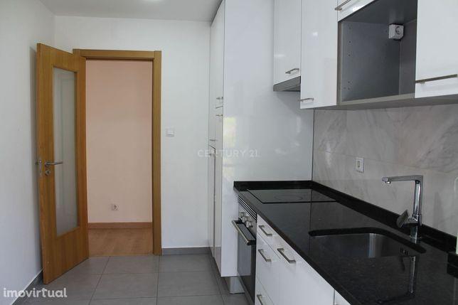 T1 na Damaia para arrendamento como novo