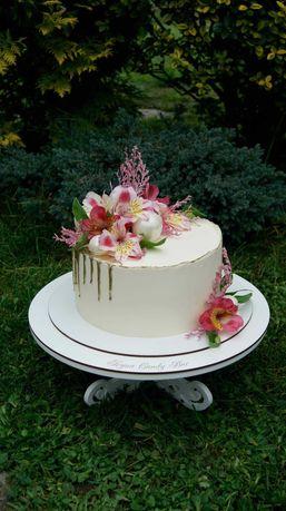 Торти і десерти Стрий