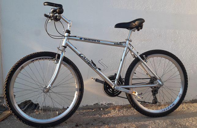 Bicicleta Shimano - toda em alumínio