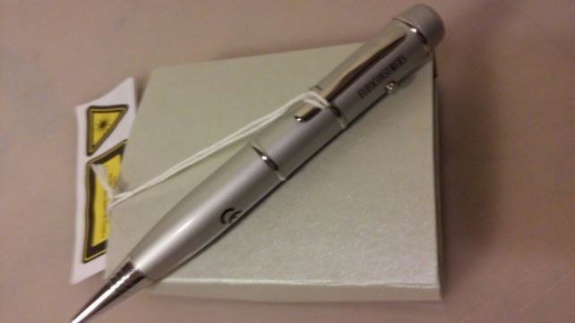 Ponteiro laser com Pen e Caneta