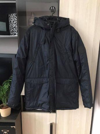 Czarna męska kurtka zimowa z kapturem